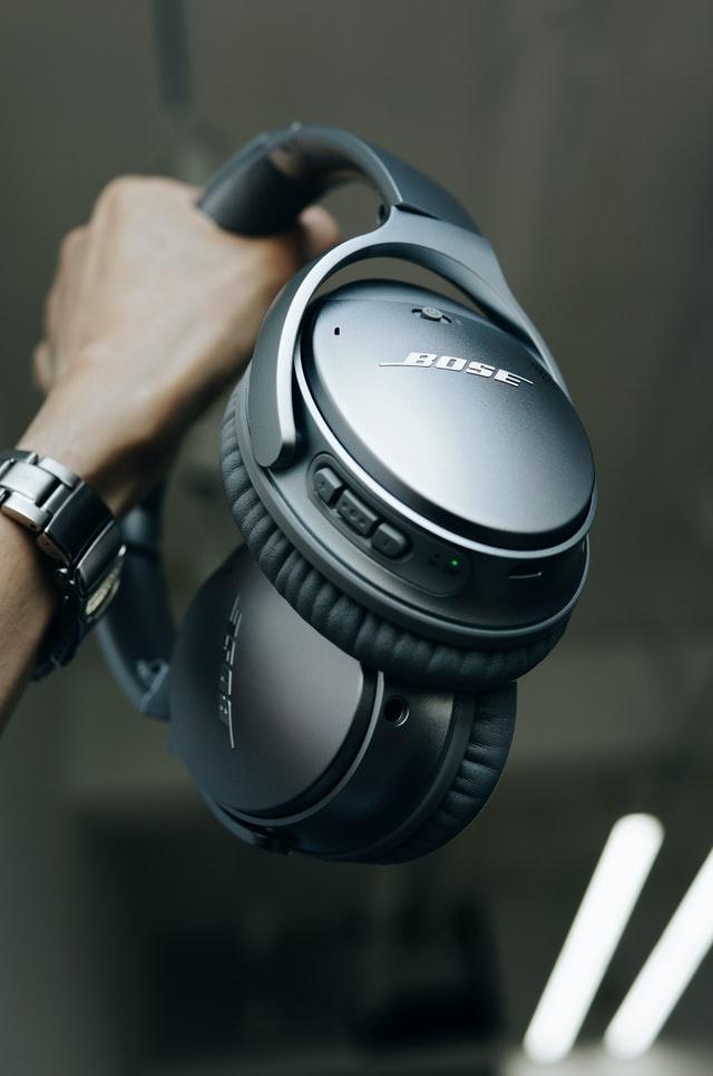 charge bose headphones