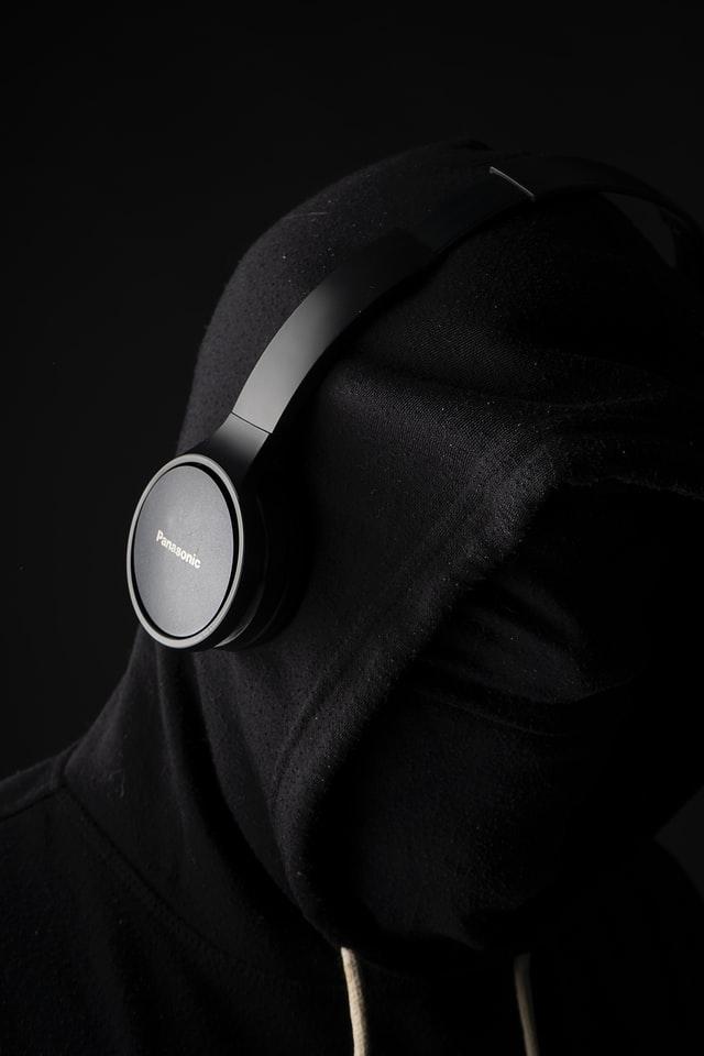 headphones buzzing sound gamer