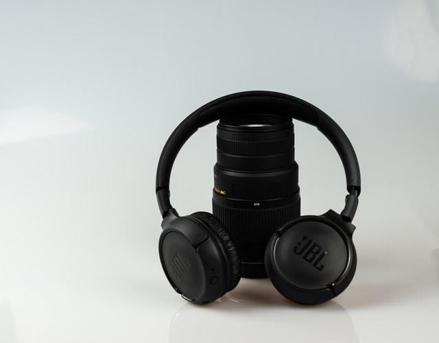 polaroided blurtooth headphones